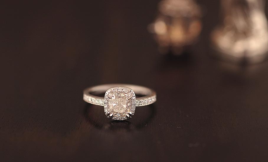 1.ctのダイヤモンドが煌めくフルオーダーリング