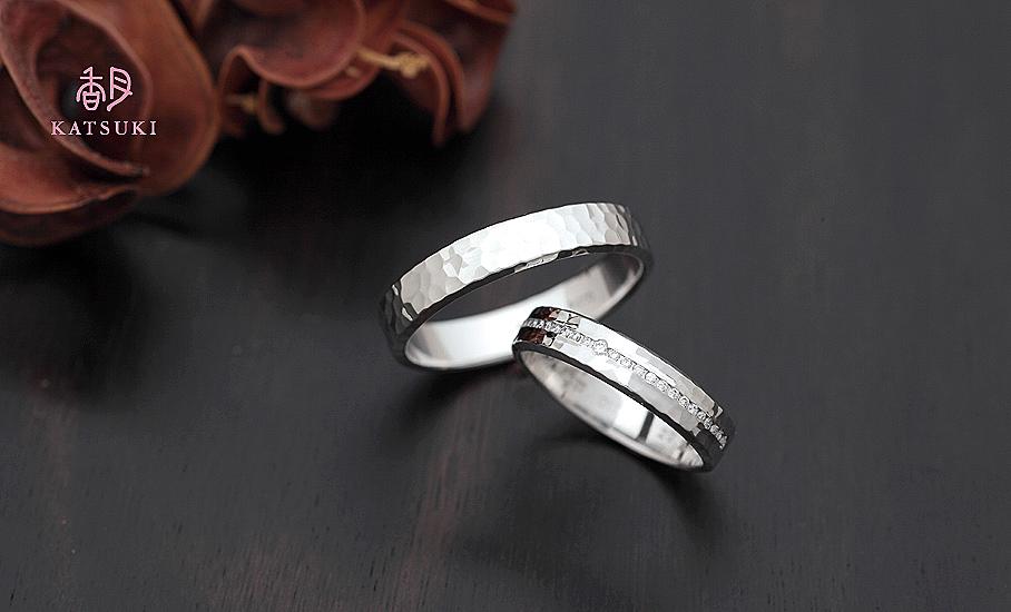 ダイヤモンドと面取りをちりばめたフルオーダー結婚指輪