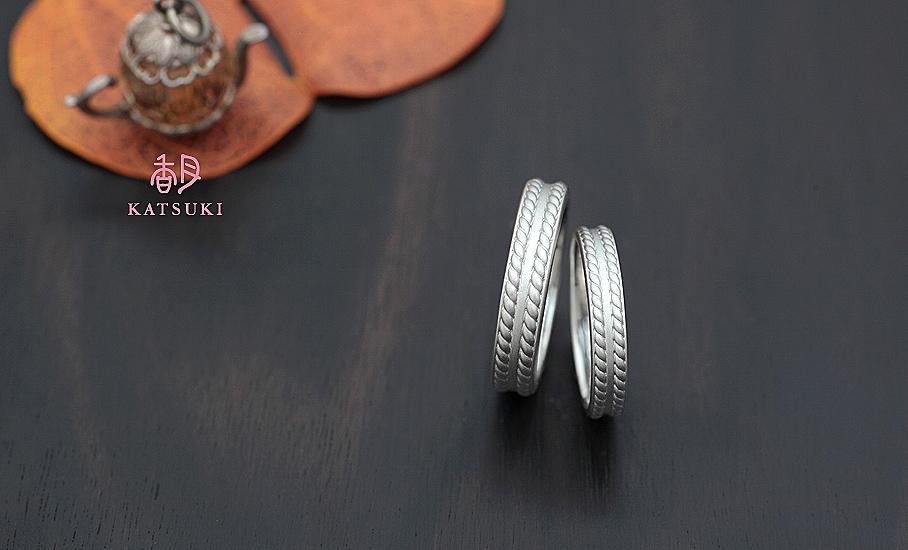 """オリジナル結婚指輪 """"クロッシェ""""  ¥94.000-/税別~   ◆シルバー制作可:¥18.500/税別~"""