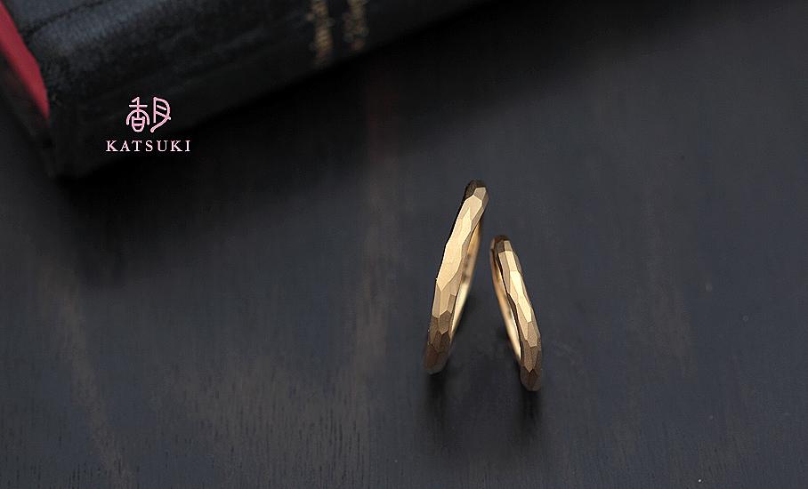 """オリジナル結婚指輪 """"ウルー""""  ¥77.400-/税別~   ◆シルバー制作可:¥15.000/税別~"""