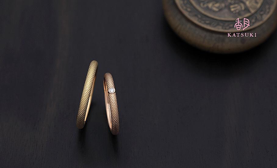 """オリジナル結婚指輪 """"ル・ティシュー""""  ¥77.900-/税別~   ◆シルバー制作可:¥18.500/税別~"""