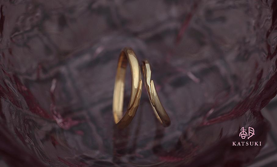 """オリジナル結婚指輪 """"メテオール""""  ¥74.200-/税別~   ◆シルバー制作可:¥15.000/税別~"""