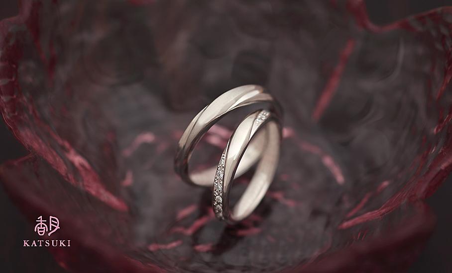 おふたりらしい個性のつまったフルオーダー結婚指輪
