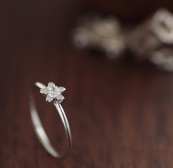 女性にとっての婚約指輪