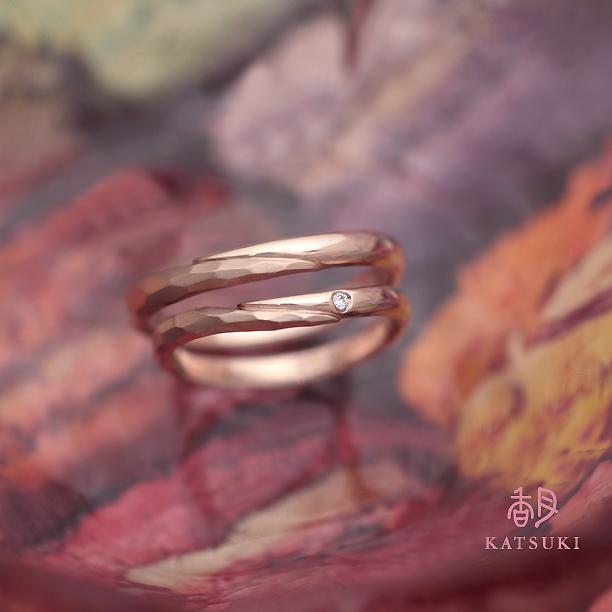 人気のハーフデザインの結婚指輪