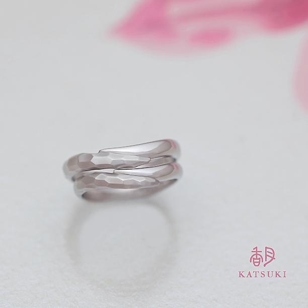 ハーフハーフの結婚指輪