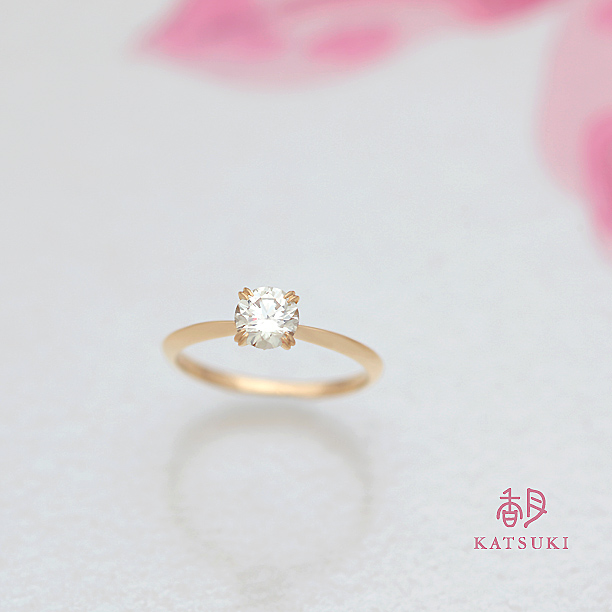 4本爪K20イエローゴールドの婚約指輪