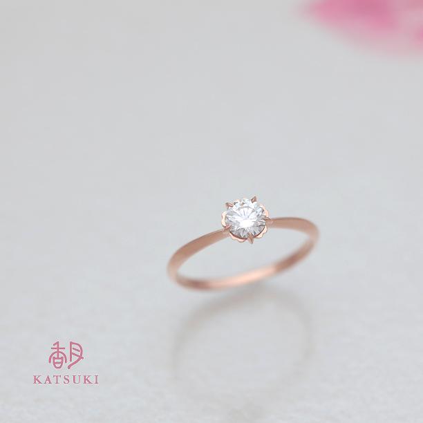 0.370ctのダイヤモンドが煌めくピンクゴールドの婚約指輪