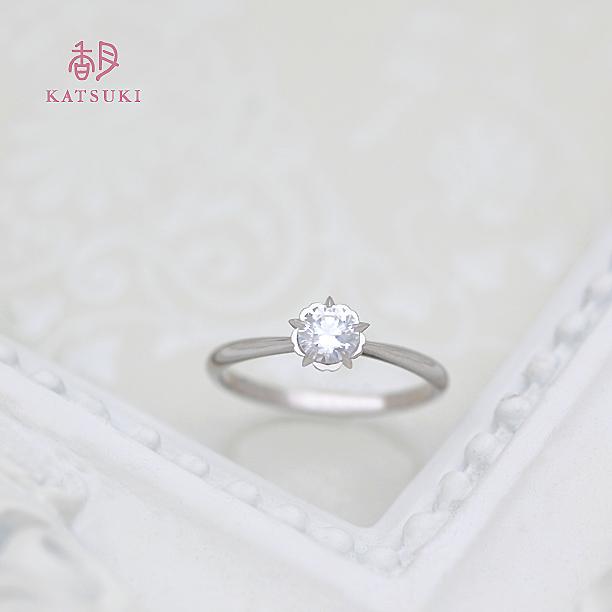 お花モチーフ5本爪の婚約指輪