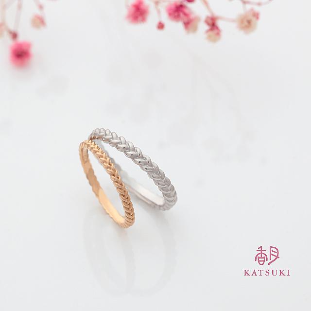 三つ編みで絆を紡ぐ結婚指輪