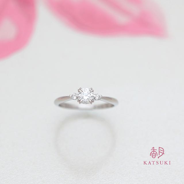 年越しの旅先で贈られた婚約指輪