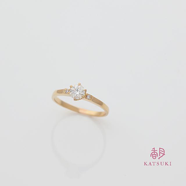 幅を細く加工した婚約指輪
