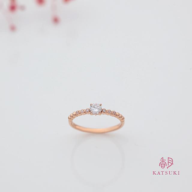 ピンクゴールドの婚約指輪【プール・アムール】