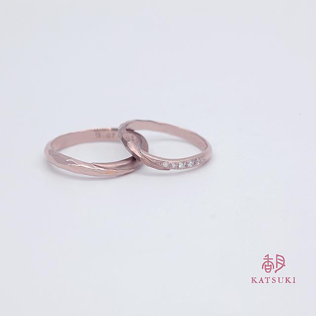 ピンクゴールドの結婚指輪【メテオール】&【メテオール・ベル】