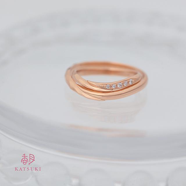 ハーフ&ハーフの結婚指輪【メテオール】&【メテオール・ベル】