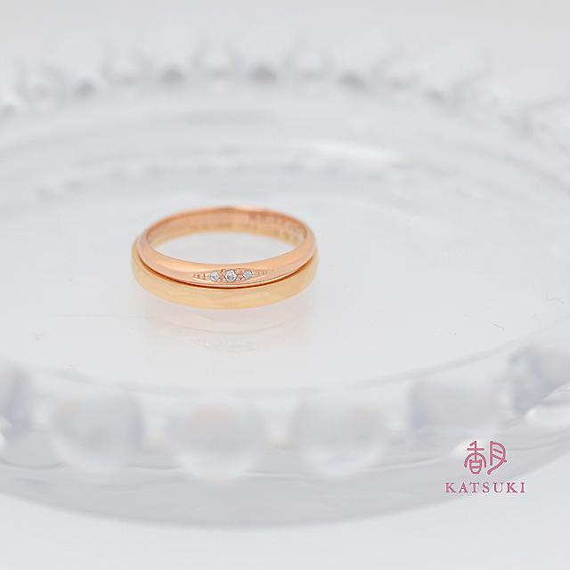 シンプルな中にダイヤモンドが映える結婚指輪