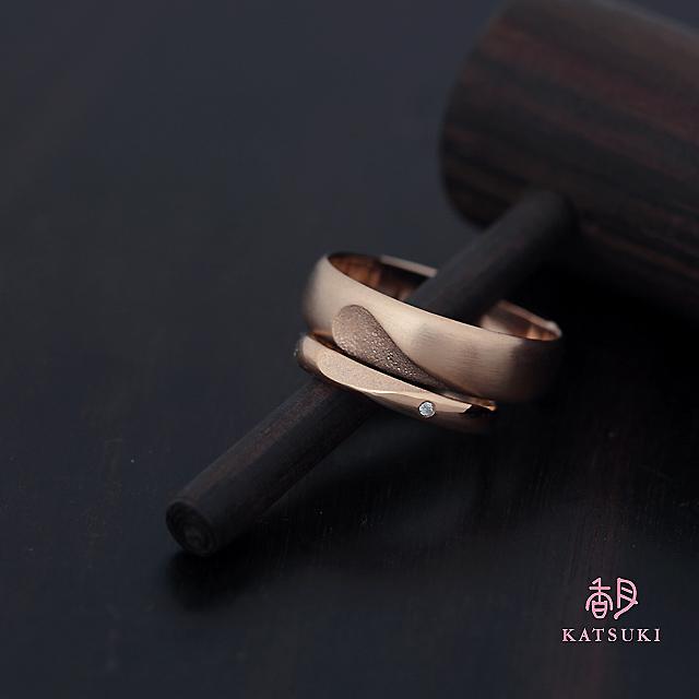 合わせるとハートが浮かび上がる結婚指輪【フルオーダー】