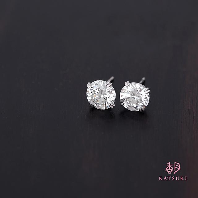 1.559ct&1.673ctのダイヤモンドピアス