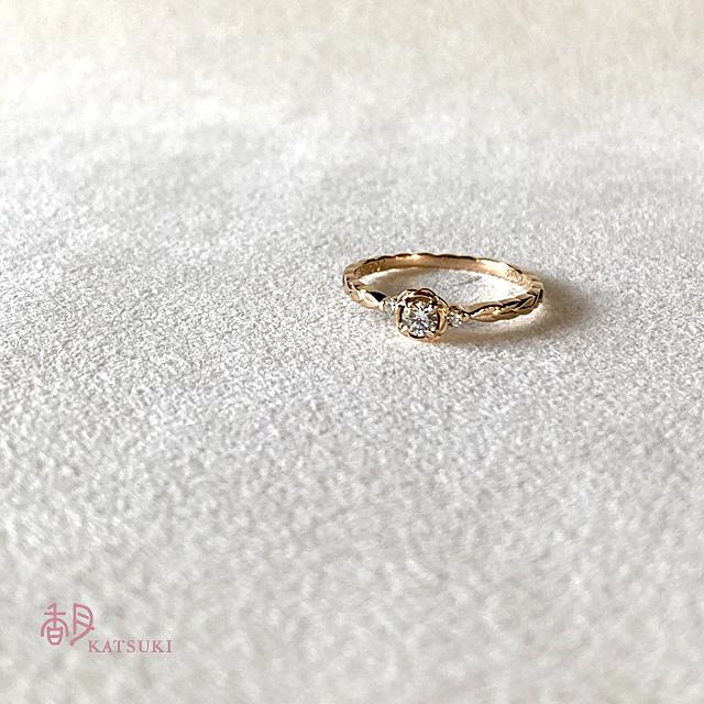 バラとダイヤモンドの婚約指輪【ローズ・ミニョン(リーフ)】